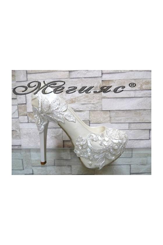 03-К Дамски елегантни обувки бели перла на висок ток