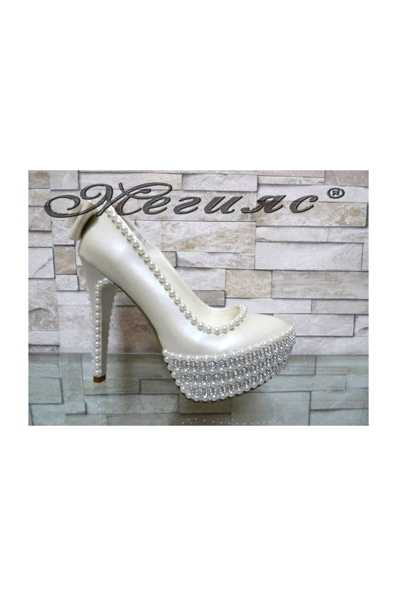 09-K Women elegant shoes white pu