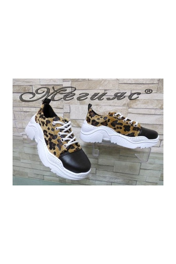22-K Lady sport shoes leopard