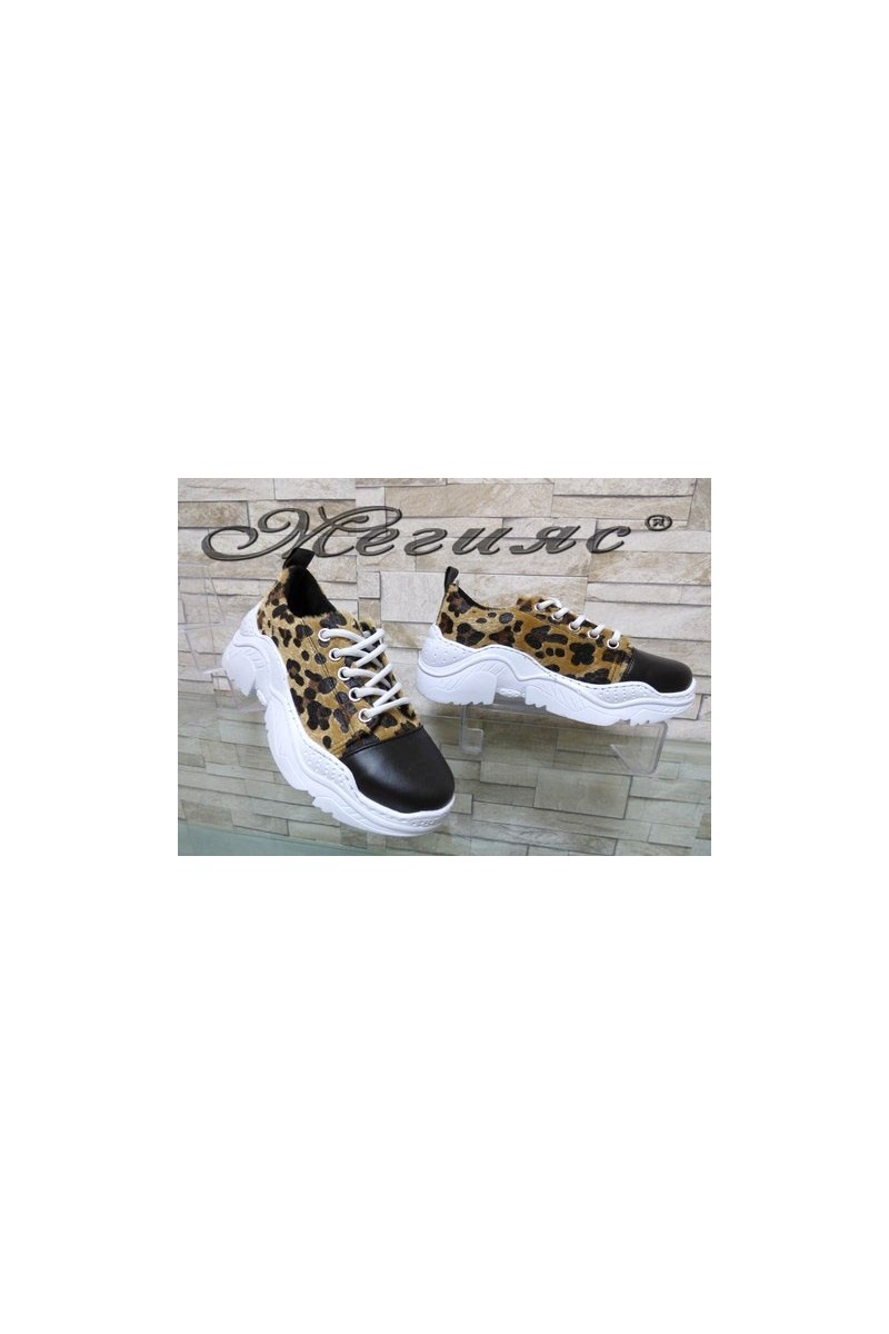 22-К Дамски спортни обувки леопард текстил