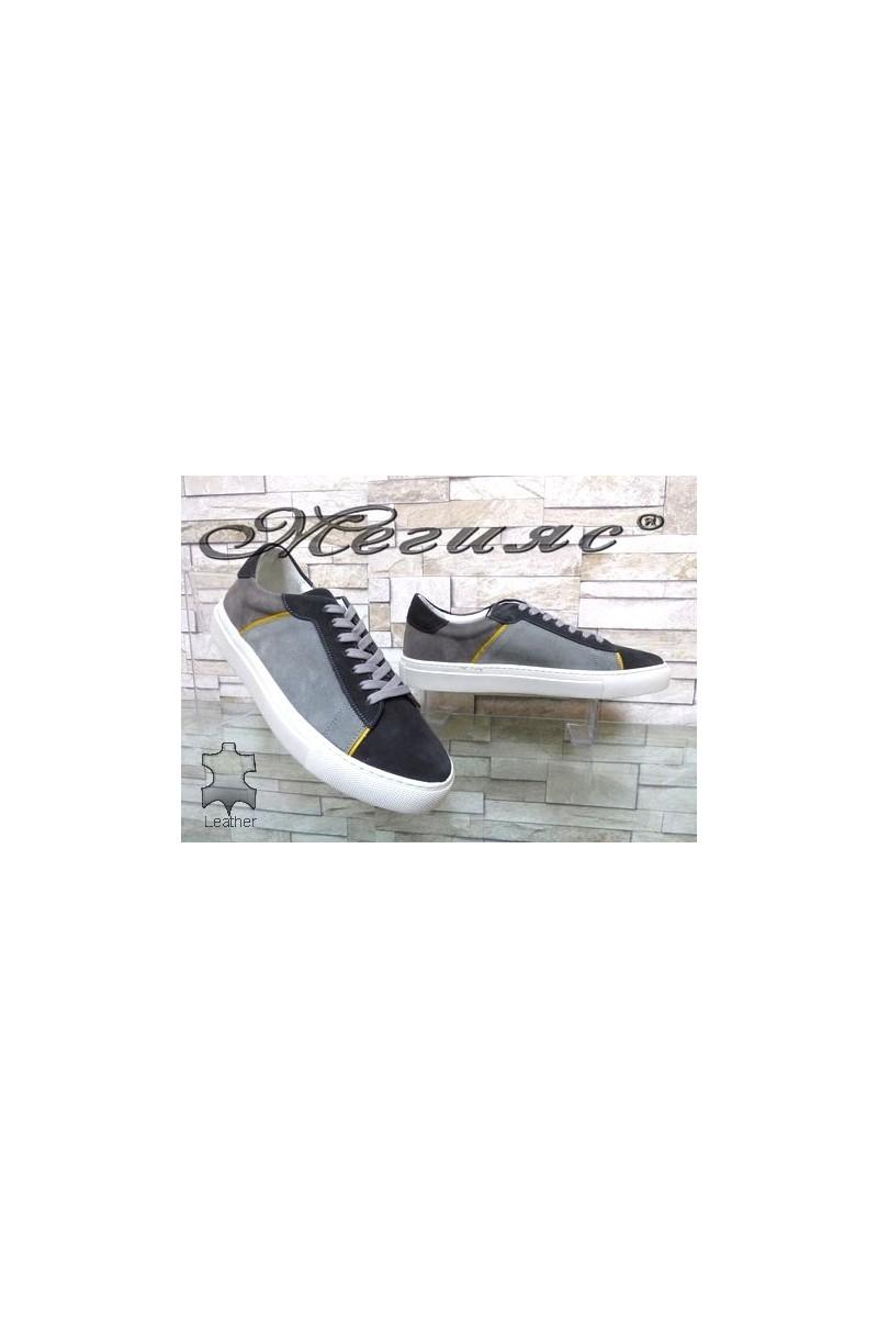 4132 Мъжки спортни обувки сиви от естествен велур