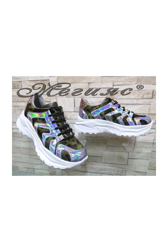 7765 Дамски спортни обувки камуфлаж от текстил и еко кожа