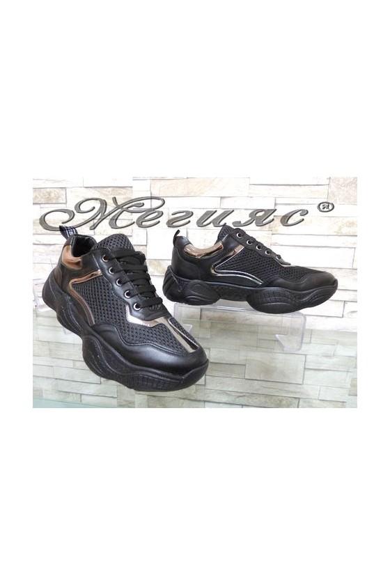 7766 Дамски спортни обувки черни от текстил и еко кожа
