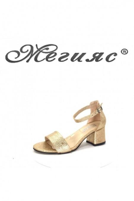 053 Дамски сандали златна еко кожа елегантни на широк ток