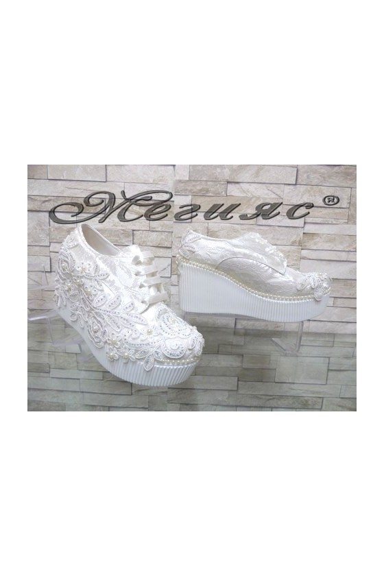 512-07 Lady platform shoes white