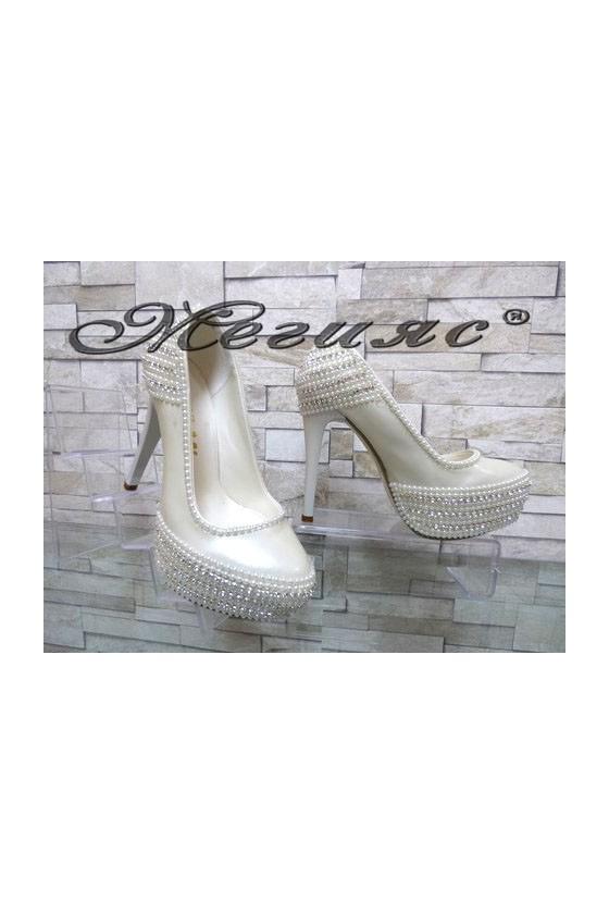 075 Дамски обувки сватбени бели на висок ток о