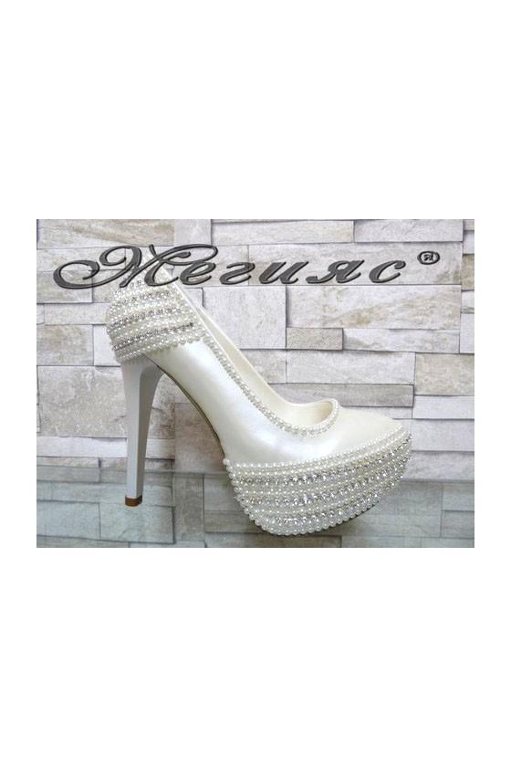 075 Дамски обувки сватбени бели на висок ток