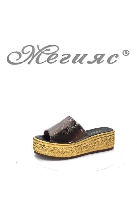 090 Дамски чехли цвят бакър на платформа