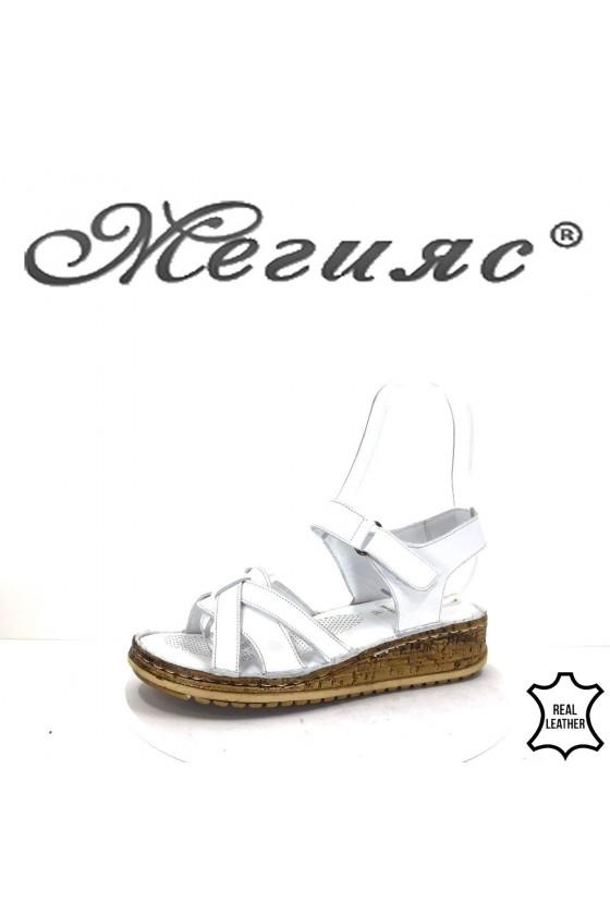 906 Дамски сандали бели от естествена кожа