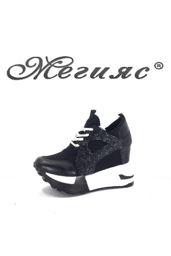 001 Дамски спортни обувки черни на платформа