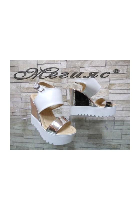 506  Дамски сандали сиво с бяло на висока платформа