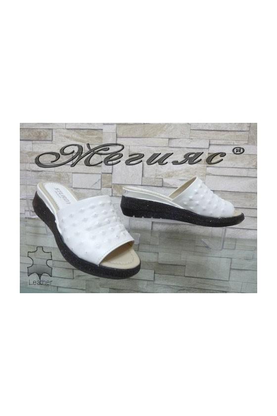 74-26 Дамски чехли бежова кожа на платформа