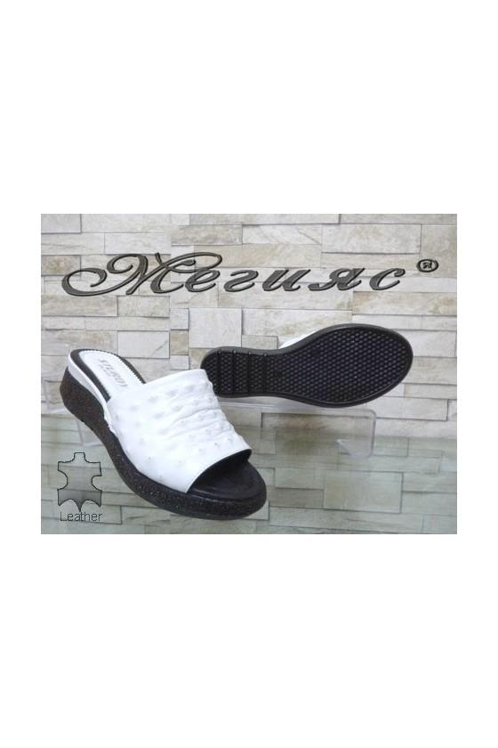 74-26 Дамски чехли бeли естествена кожа на платформа