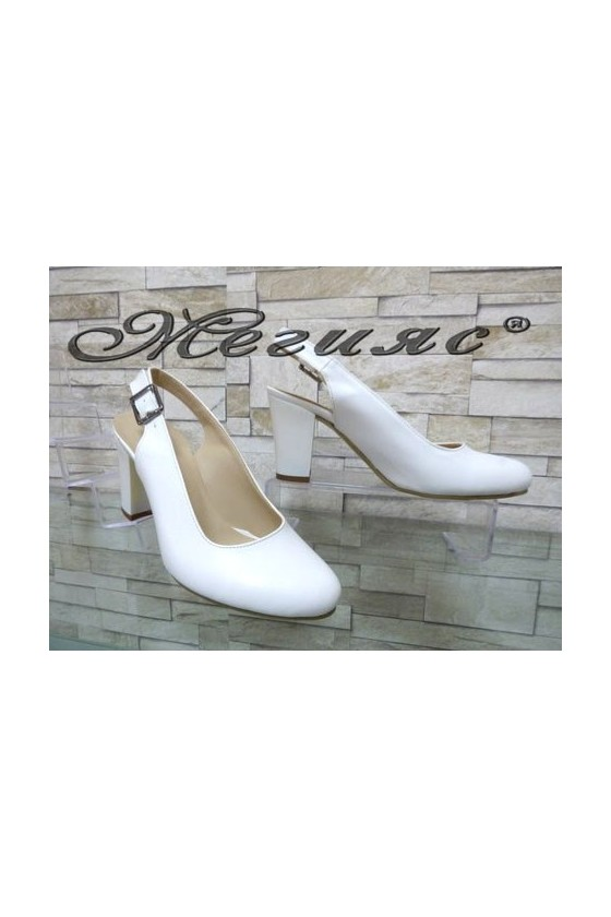 88 Women sandals white pu