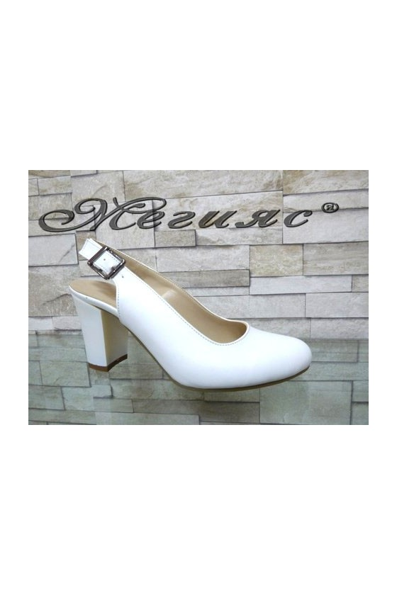 88 Women sandals white pu