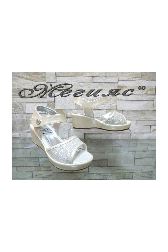 035-Y Детски сандали бели на платформа