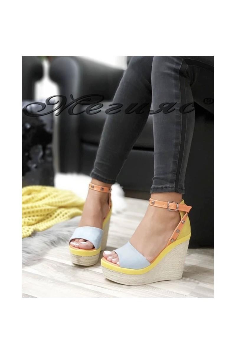 612 Дамски сандали на платформа