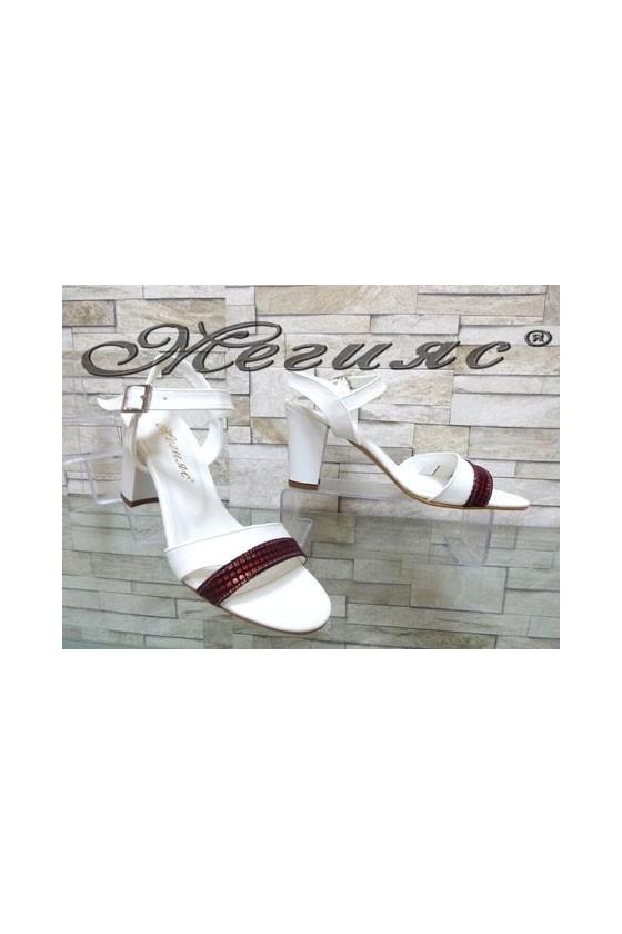 9080 Дамски сандали бяло с бордо елегантни на широк ток