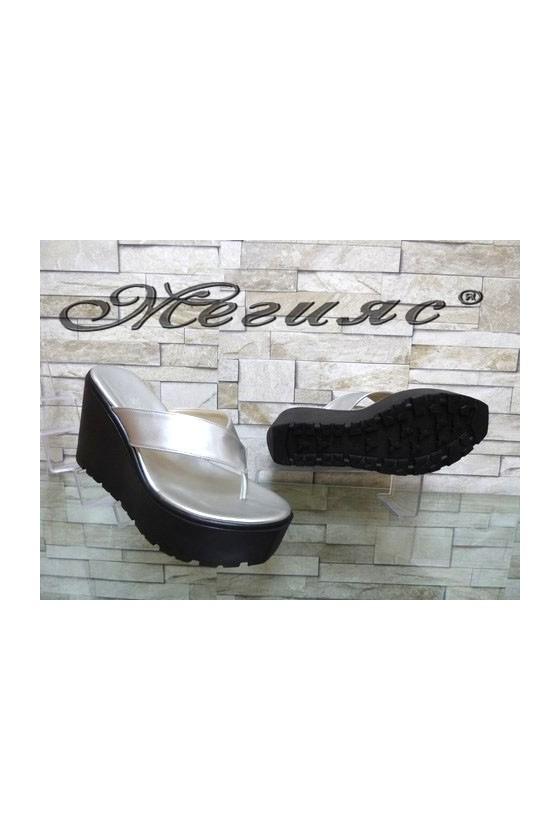 11-251 Дамски чехли сребристи на платформа от еко кожа