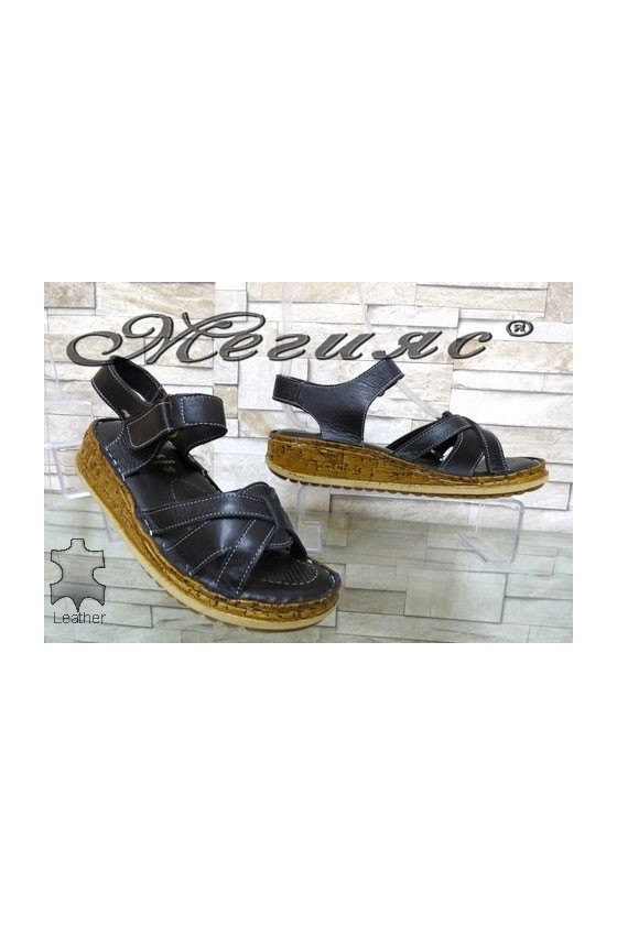 906 Lady sandals green leather