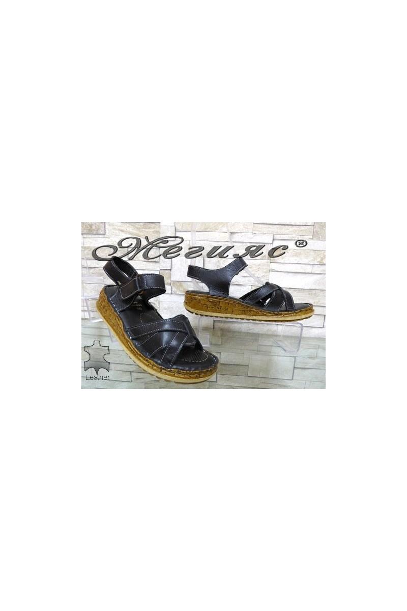 906 Дамски сандали черни от естествена кожа
