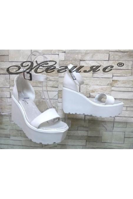 9995 Lady platform sandals white pu