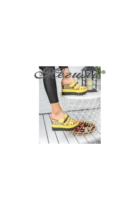18617 Дамски чехли жълти на висока платформа с капси
