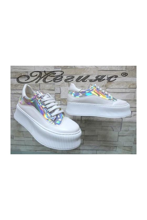 9-К Дамски спортни обувки бели със сребристо от еко кожа