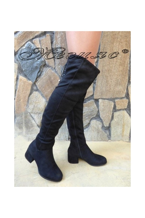 Дамски ботуши черни велур тип чизми