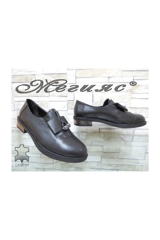 8019-18 Women shoes black leather