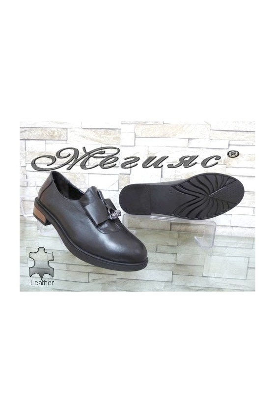 8019-18 Women shoes black leather