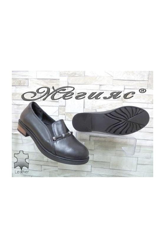 8007-18 Women shoes black leather