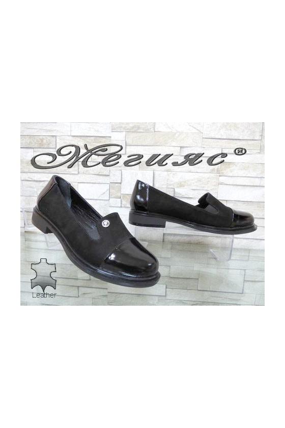 81-200-25 Дамски обувки ежедневни от естествен веллур и лак
