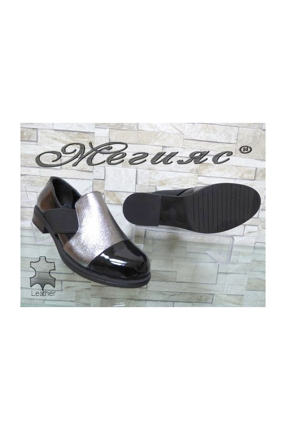 001-063 Women shoes black with silver leather