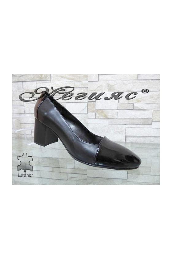 128-1-5 Lady elegant shoes black leather