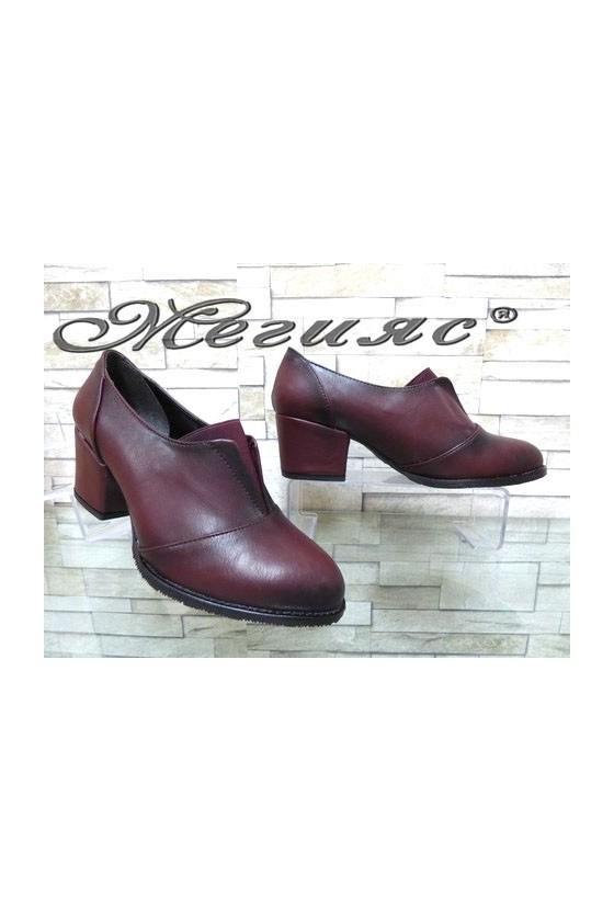 205-А Дамски обувки бордо на широк ток