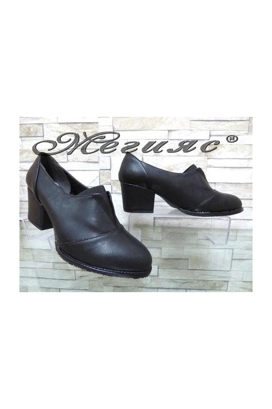 205-А Дамски обувки черни на широк ток