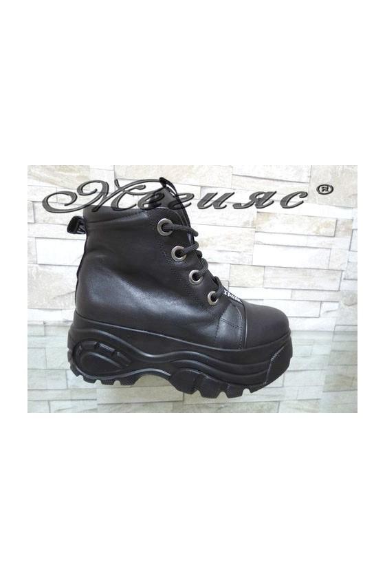 069-08 Lady platform boots black pu