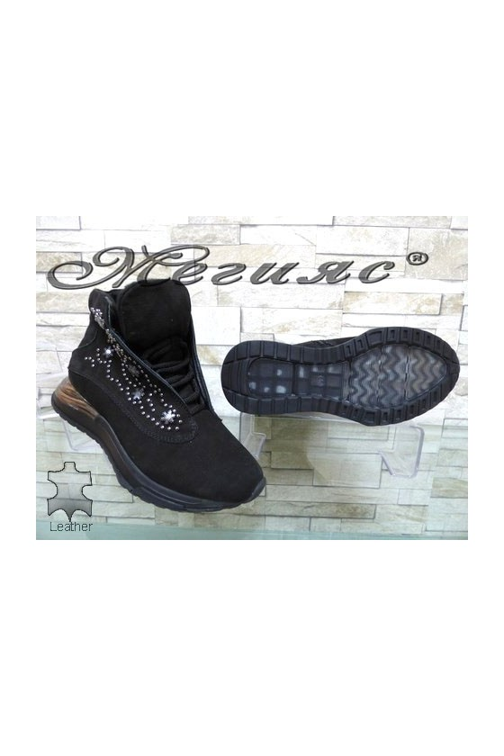 444-14 Lady boots black suede