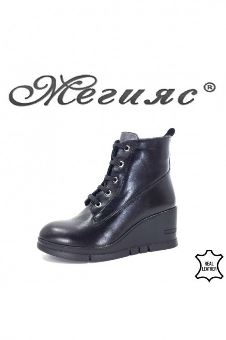 768-01 Lady boots black leather