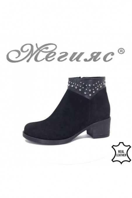 85601 Women boots black suede with middle heel