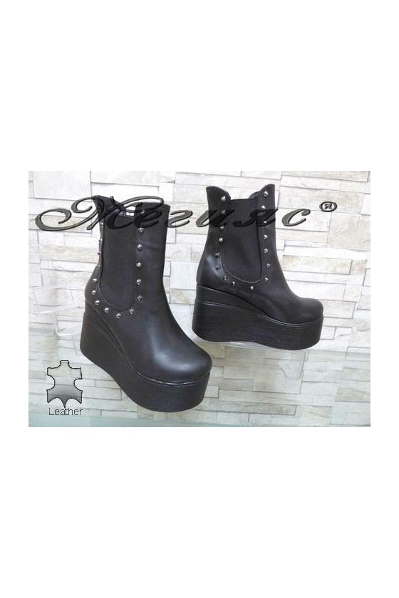 137-K Lady platform shoes black pu