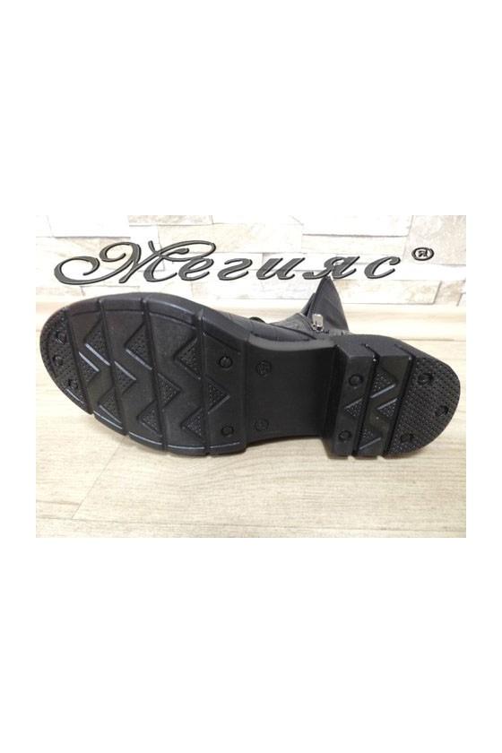 050 Women boots black pu