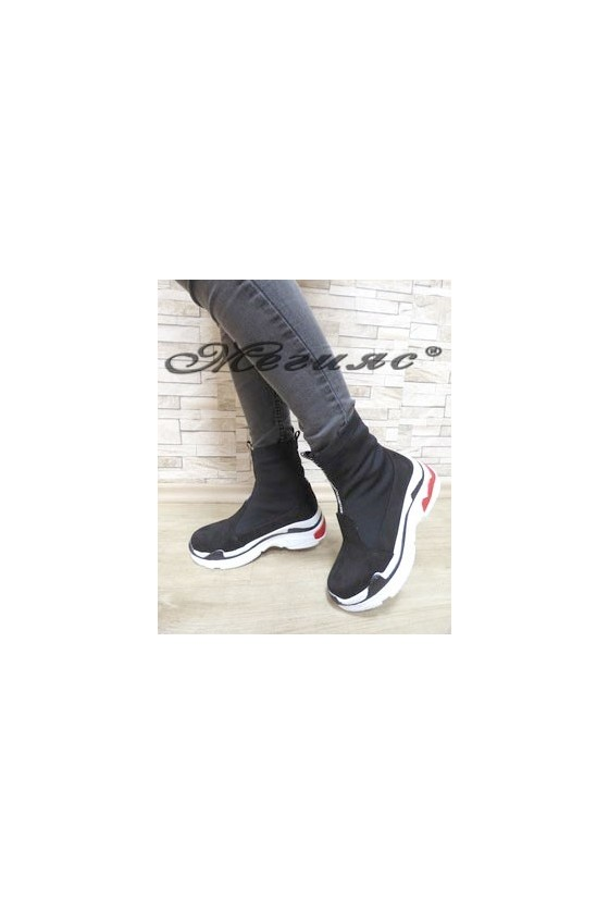 1001 Дамски спортни боти черни от еко велур и текстил