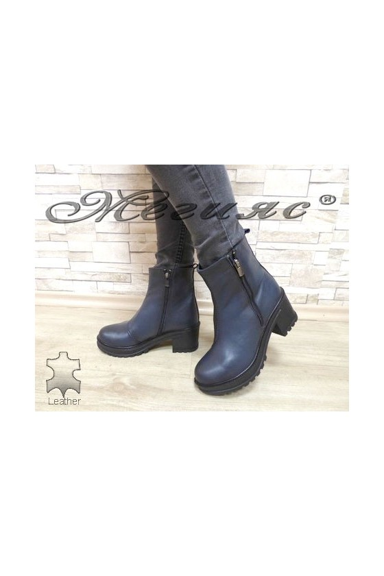 918-2 Women boots blue leather