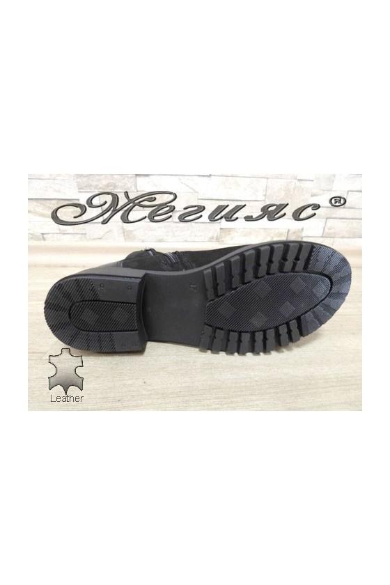 5010-1964 Дамски боти черни от естествен набук и лак