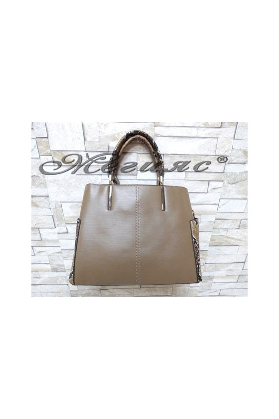 5037 Дамска чанта бежова със змийска шарка от еко кожа