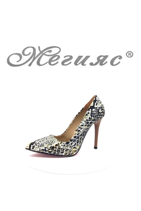 1174 Дамски елегантни обувки със змийска шарка