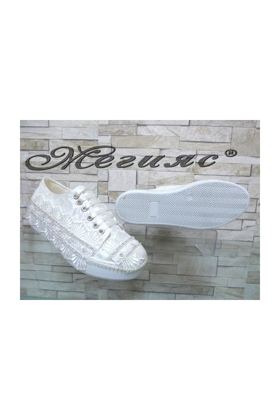 094 Women sport shoes white