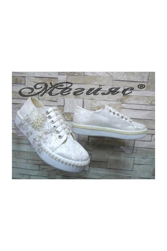 095 Дамски обувки бели от текстил и дантела